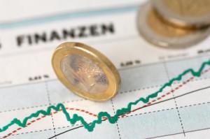 Kurs-Chart mit Euro-Münzen