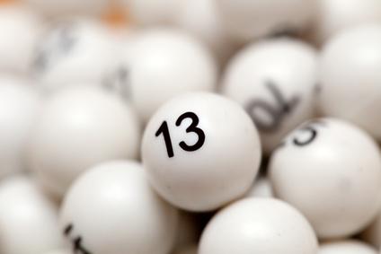 Die Klassenlotterie ist eine Abzweigung der Lotterie, bei der der Spielzeitraum, wie der Name schon sagt, in verschiedene Klassen unterteilt wird.