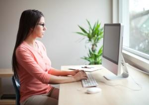 Inhalt des Artikels ist das mobile Arbeiten im Home-Office.