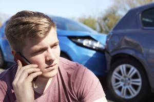 Anruf nach Autounfall